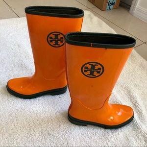 Tory Burch orange rain boots. Size: 9